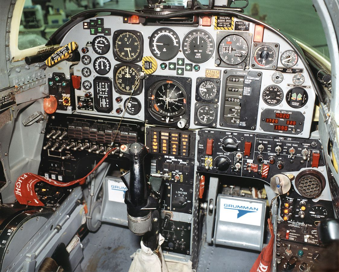 0_1483338361716_1123px-Grumman_X-29_Cockpit.jpg