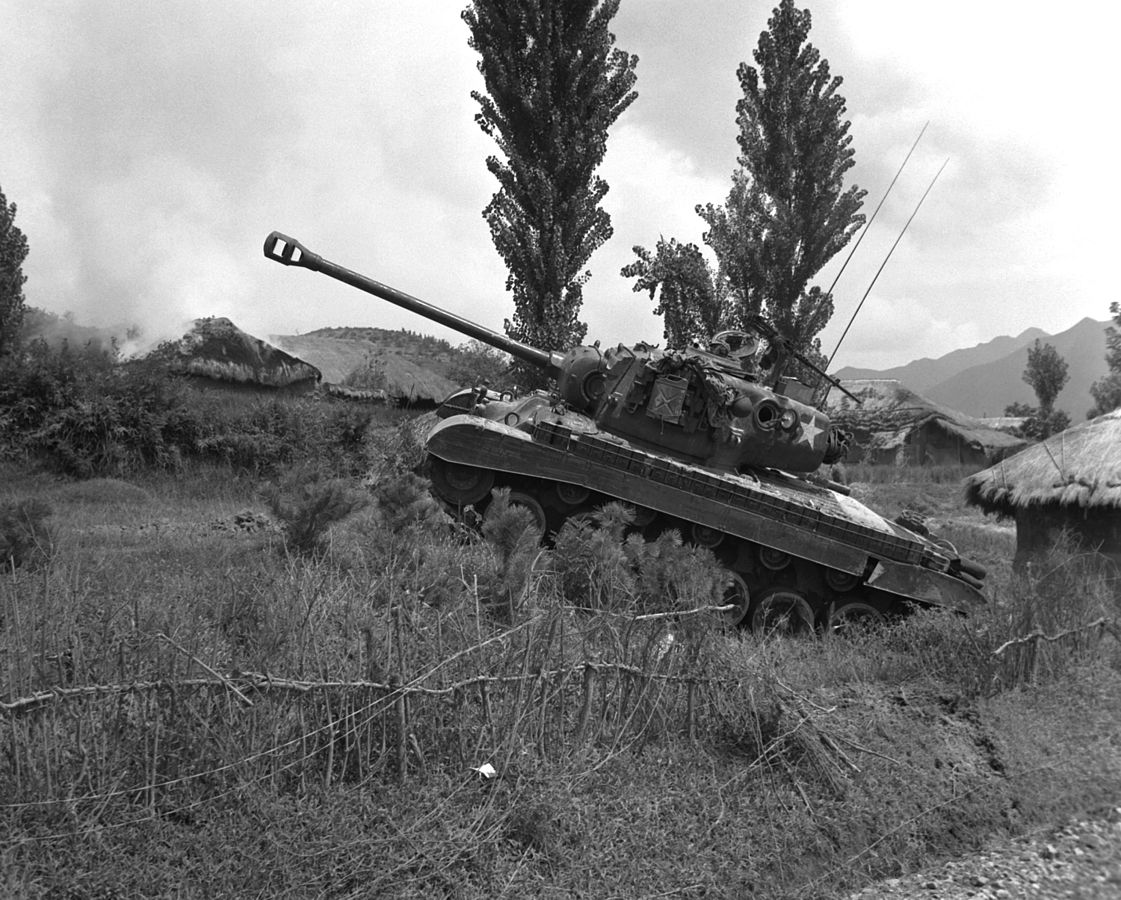0_1488246380557_1121px-M26-Pershing-Korea-19500904.jpg